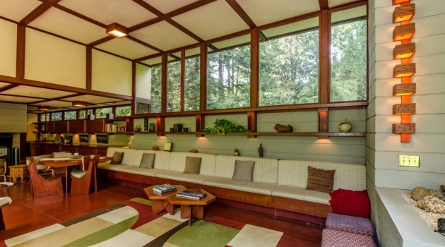 Bob and Joy Spend the Weekend at a Frank Lloyd Wright House